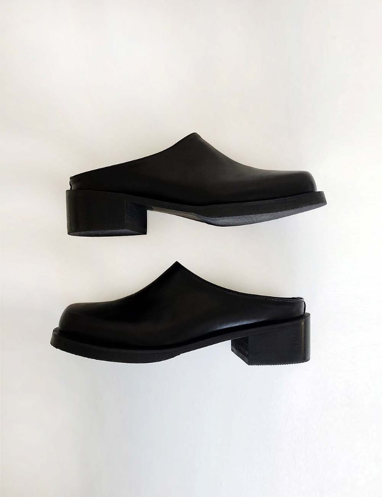 Black platform slipper